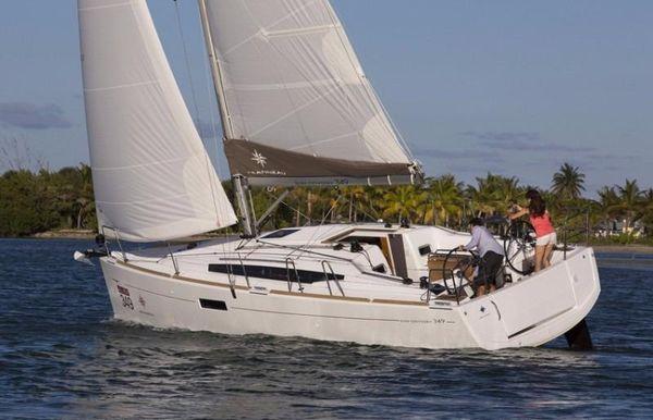 2017 Jeanneau Sun Odyssey 349