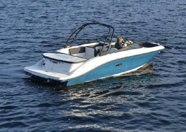 Sea Ray 230 SPX image