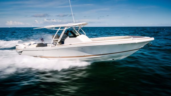 Chris-Craft Catalina 34 Starboard Profile