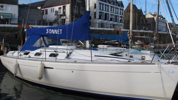 Beneteau First 33.7