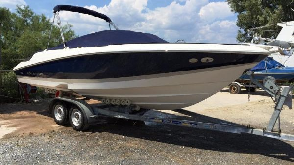 Regal 2200 Bow rider