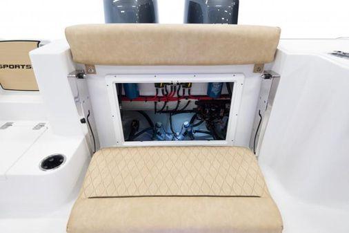 Sportsman Open 252 Center Console image