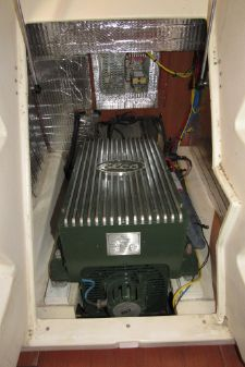 Hunter e36 Electric image