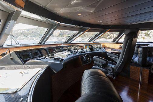 Heesen 130 Tri-deck image