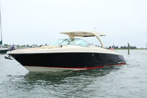 Chris-Craft 35 Launch GT image