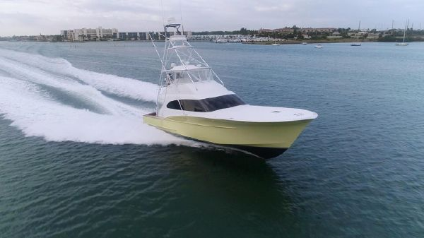 Custom Carolina Convertible Sportfisherman
