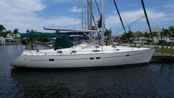 Beneteau 411 Starboard Profile