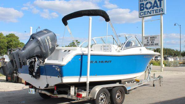 Sea Hunt Escape 211 LE