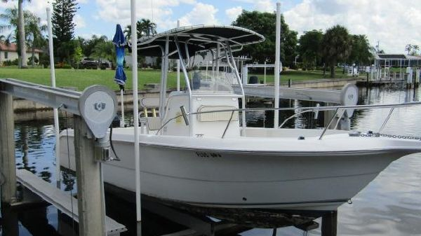 Sea Fox 230 Center Console