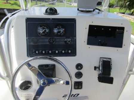 Sea Fox 230 Center Console image
