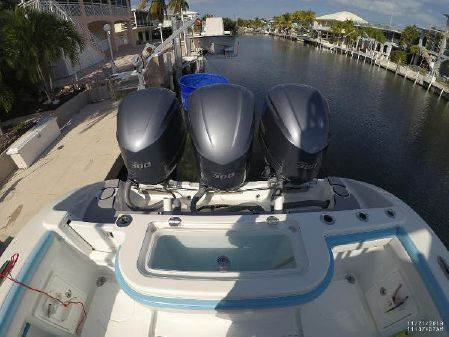 Yellowfin 36 CC Offshore image
