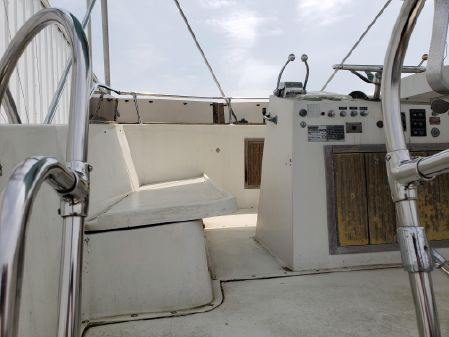 Hatteras 42 Convertible image
