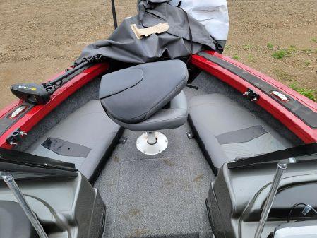 Tracker Targa 18 CB image