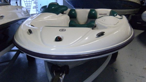Sea-Doo Challenger Sea-Doo Speedster