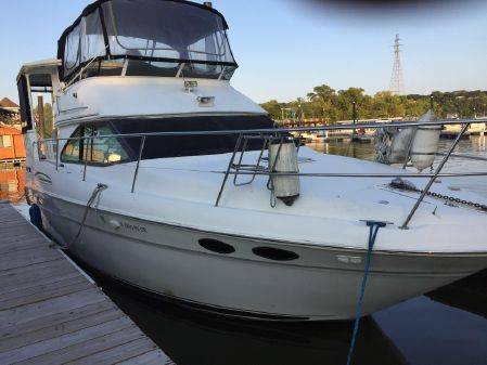 Sea Ray 380 Aft Cabin image