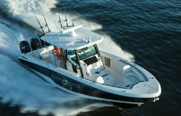 2019 Wellcraft 352 Fisherman