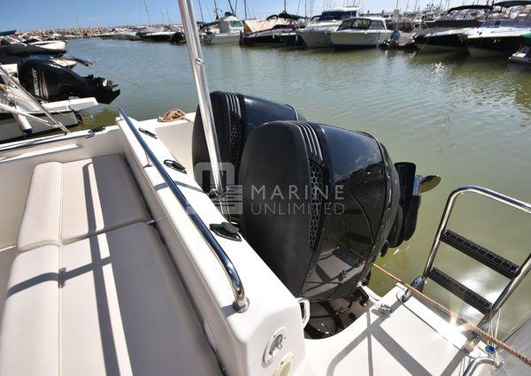White Shark 285 image