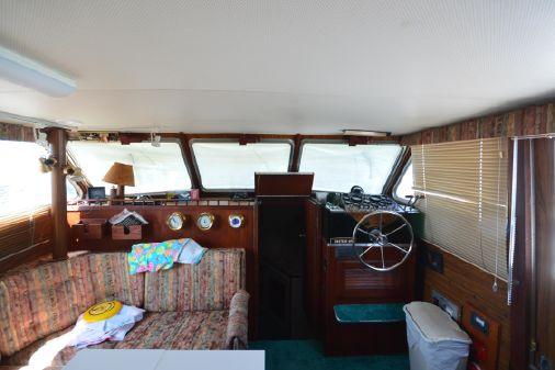 Tollycraft 40 Tri-Cabin MY image