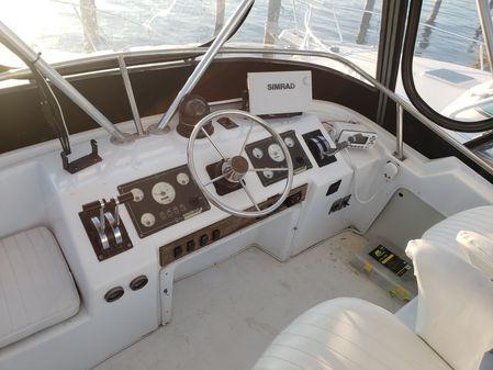 Sea Fox 33 Offshore w 2010 DIESELS image