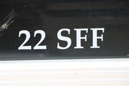 Bennington 22 SFF image