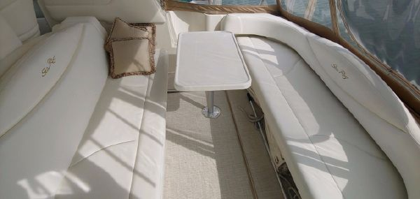 Sea Ray 410 Express Cruiser image