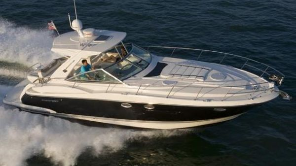 Monterey 400 Sport Yacht Manufacturer Provided Image