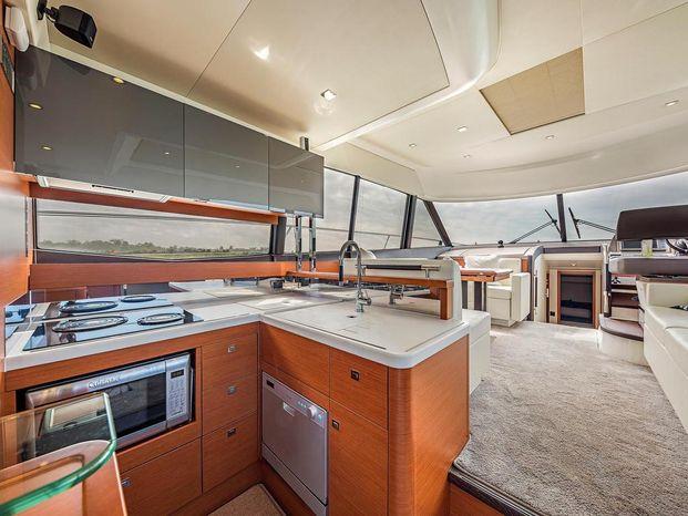 2015 Prestige 550 Flybridge Broker Massachusetts