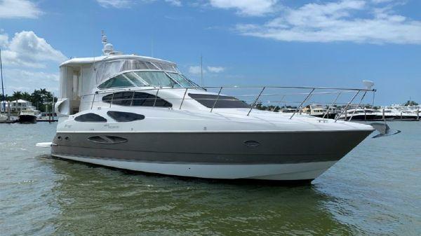 Cruisers 455 Motor Yacht