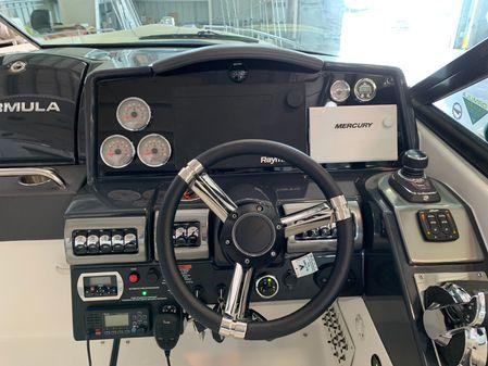 Formula 350 Crossover Bowrider OB image