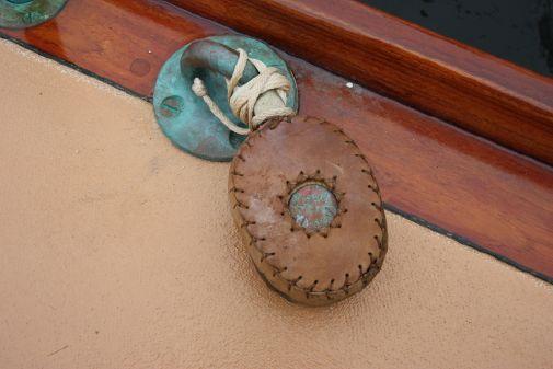 Herreshoff Fishers Island 31 image
