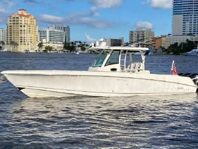 2015 Boston Whaler<span>350 Outrage</span>