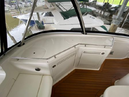 Sea Ray 580 Sedan Bridge image