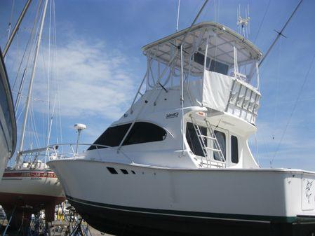 Luhrs 35 Flybridge Sport Fisherman image