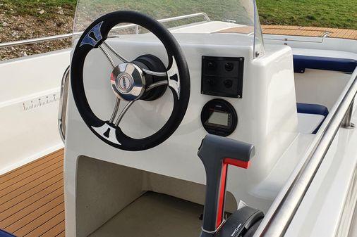 Latrex 490 Console image