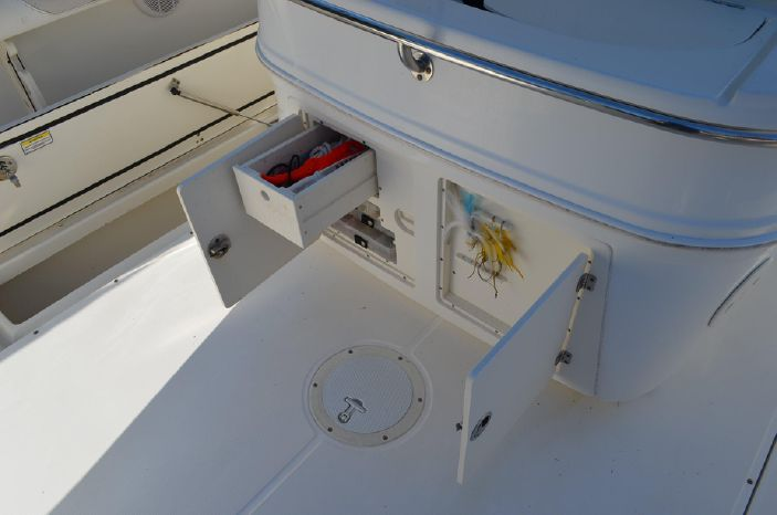 2006 Boston Whaler 320 Outrage BoatsalesListing Sell