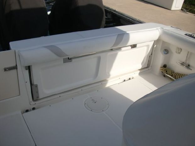 2006 Boston Whaler 320 Outrage Sell Brokerage