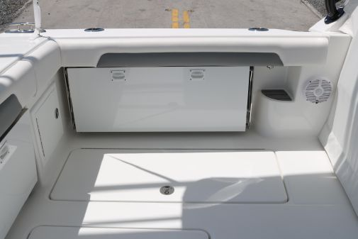 Albemarle 31 Dual Console image