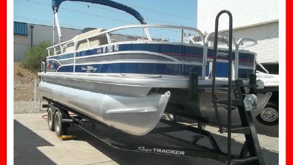 Sun Tracker 20' Fishin' Barge