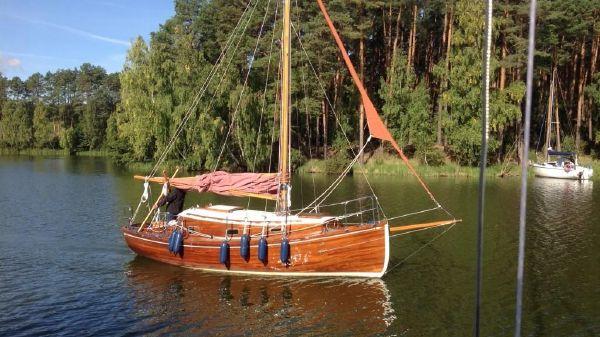 Janukowicz Gaff boat Antonio Dias designed