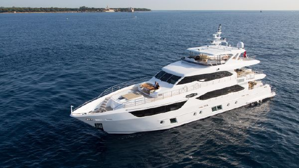 Gulf Craft Majesty 110 Motor Yacht