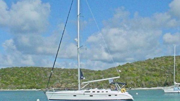 Hunter 46LE Sloop At Anchor