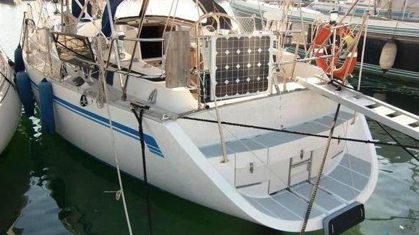 CR Yachts 105