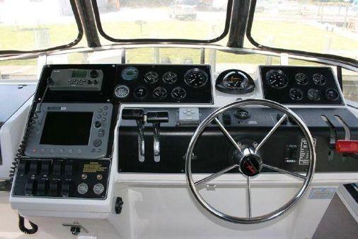 Carver 390 Cockpit Motoryacht image