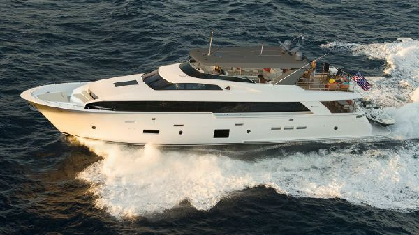 Hatteras 105 Raised Pilothouse