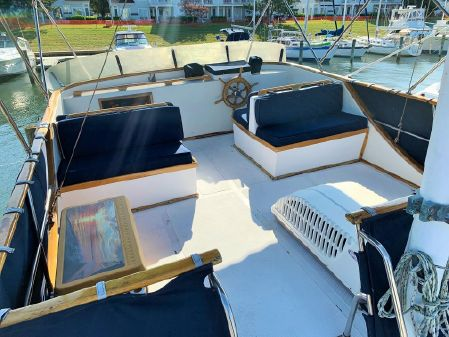 Marine Trader 38 Double Cabin image