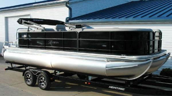 Berkshire Pontoons 24 RFX CTS Berkshire 24 CTS Tri-Toon at Yachts to Sea