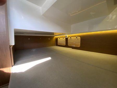 Jeanneau NC 895 image