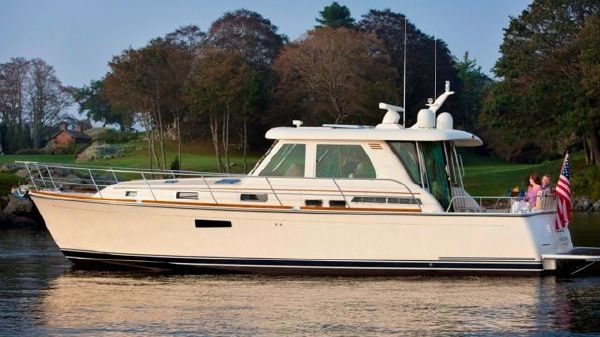 Sabre 42' Salon Express with Volvo IPS 600