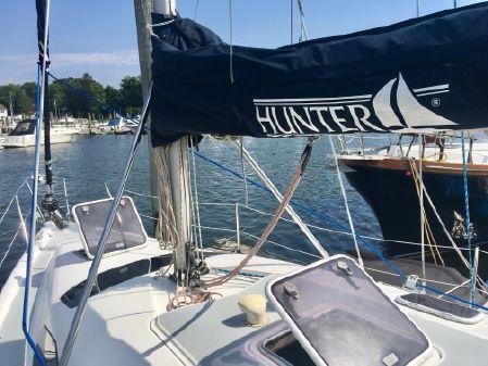 Hunter 340 image