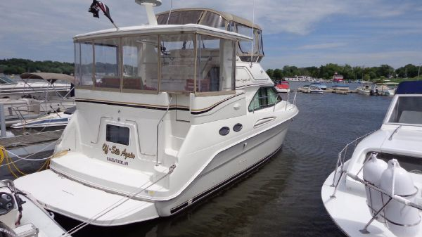 Sea Ray 380 Aft Cabin